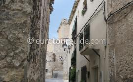 Where to go in Moratella Inland Murcia Spain, enjoying the narrow streets is one of many things to do and places to visit