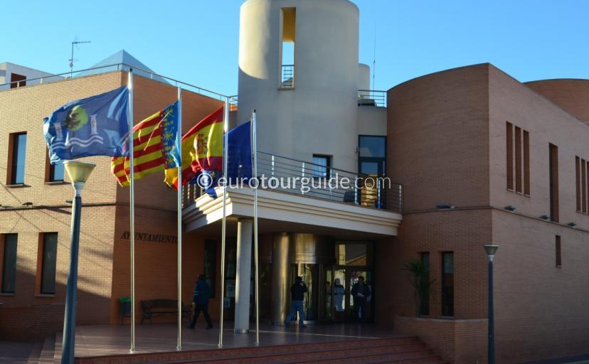 Image of the Ayuntamiento in Los Montisinos
