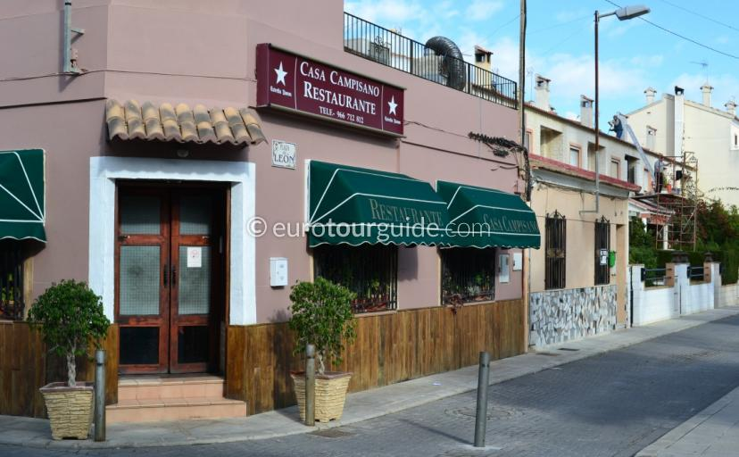 Casa Campisano Daya Vieja Alicante is a traditional Spanish experiance with great hospitality and food.