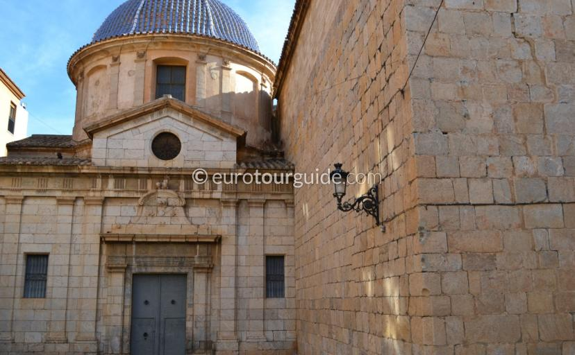 What to see in Callosa de Segura, Strolling along the narrow rustic streets is very interesting