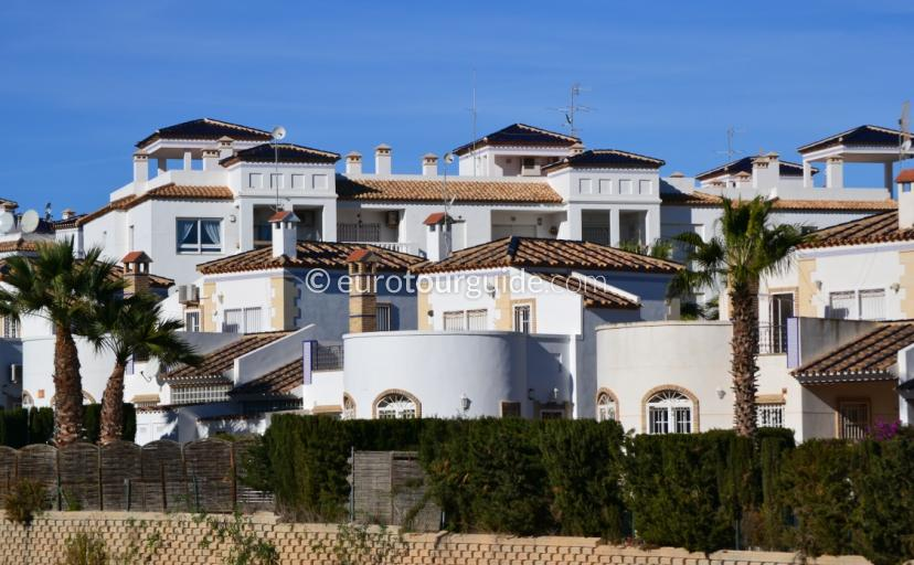 Property for Rent in Urbanisation Villamartin, Eurotourguide has a good selection of holiday homes to choose from