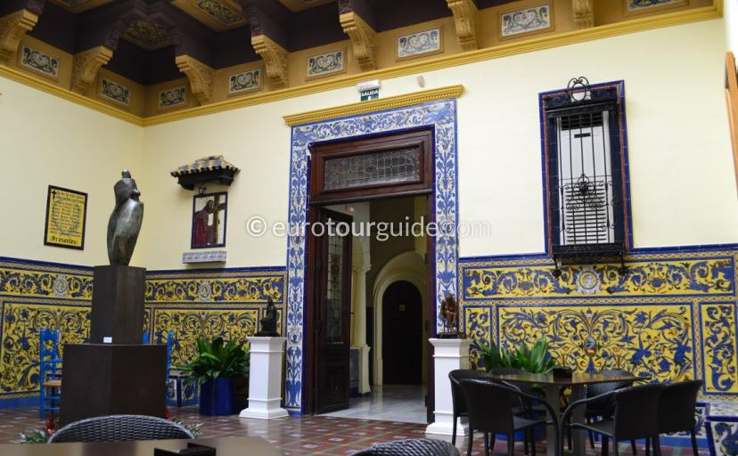 What to see in Orihuela Alicante Spain, enjoy coffee in the beautiful old casino