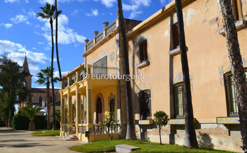 Things to do in Jacarilla Alicante VIsit the Jardines del Palacio de Marques de Fontalba