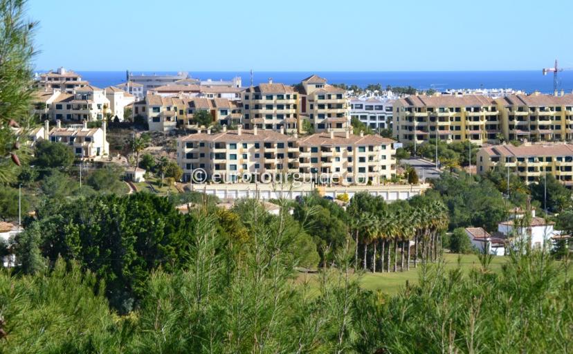 Urbanisation Dehesa de Campoamor Orihuela Costa a popular place to live and holiday