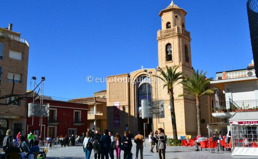 Where to go in Pilar de Horadada, sit back relax and enjoy a coffee in the Church Square