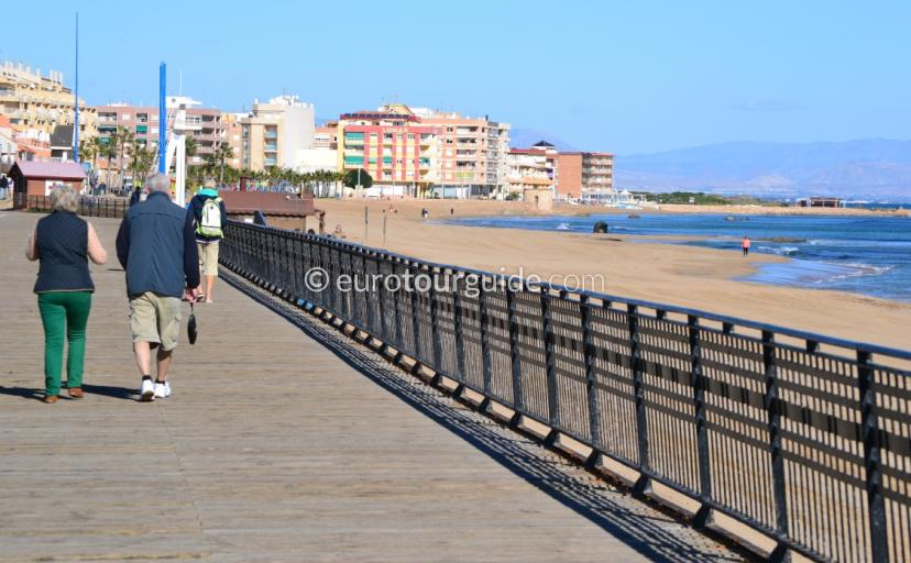 Walking Routes in the Costa Blanca, La Mata has a super long promenade