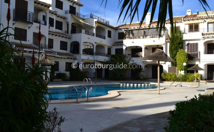 Apartments for rent in Cabo Roig, Eurotourguide has a good selection to view