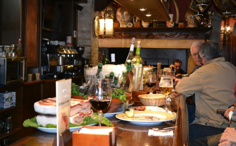 Where to eat in Torrevieja Costa Blanca Spain, the choice of tapas bars is huge