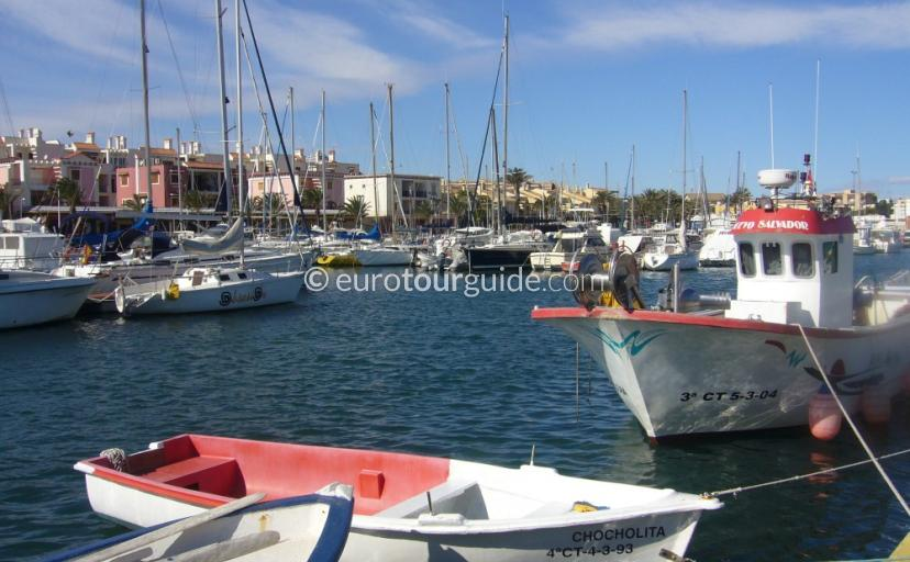 Where to go in Cabo de Palos Costa Calida Murcia Spain, Eating Fresh Fish on the marina is one of many places to visit and things to see and do