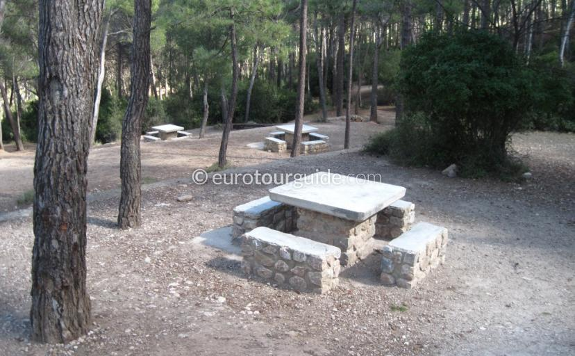 Picnic and Barbeque areas in Sierra Espuna Regional Park Murcia Spain, visit the recreation area del hilo one of many things to do and places to visit