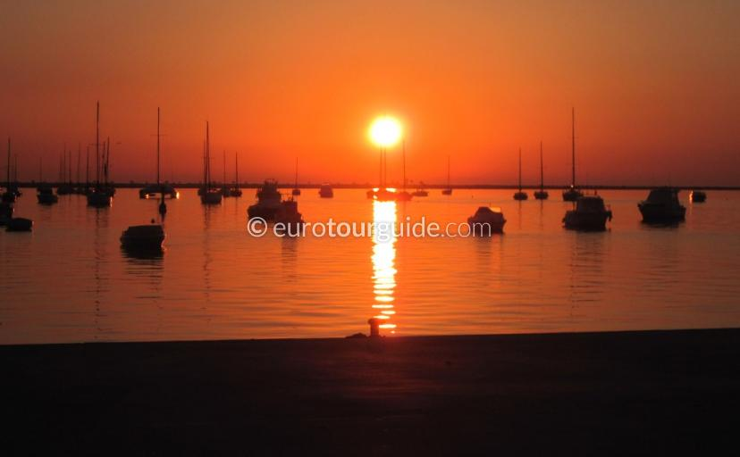 What to see and do in and around the Mar Menor Murcia Spain, Early morning sunrise is one of many things to do and places to visi