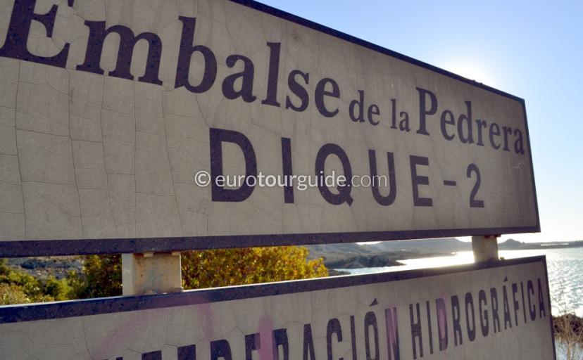 Scenic drive around the Embalse de la Pedrera Reservoir