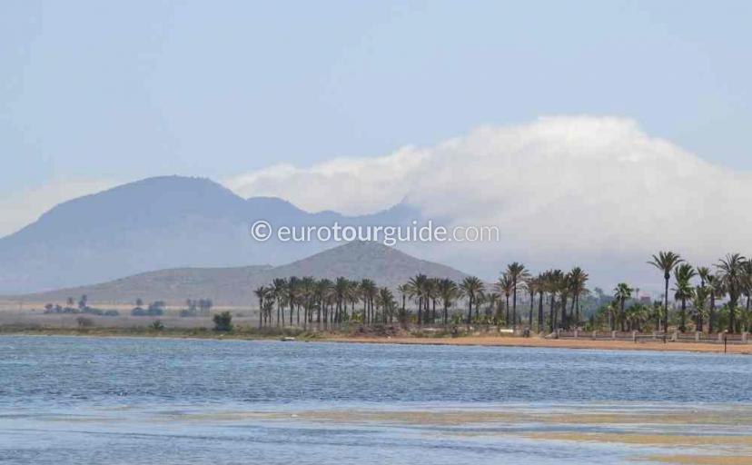 What to do in Los Urrutias Mar Menor Costa Calida Murcia Spain, painting a picture is one of many things to do and places to visit here.