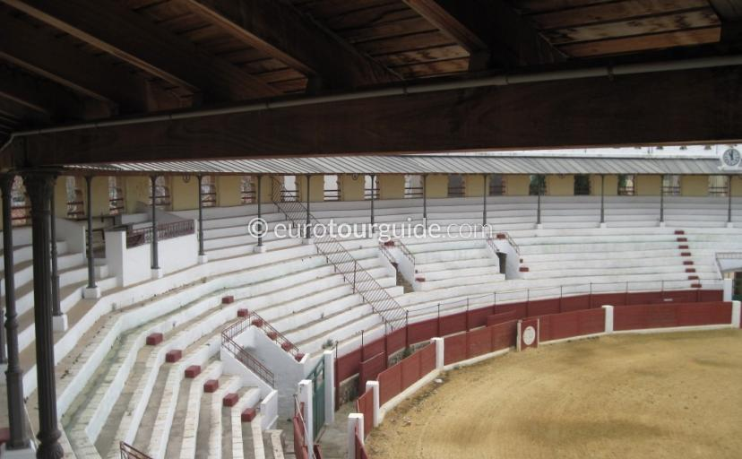 Thngs to do in Ondara Costa Blanca Spain, the bullring is one of many things to do and places to visit in Ondara