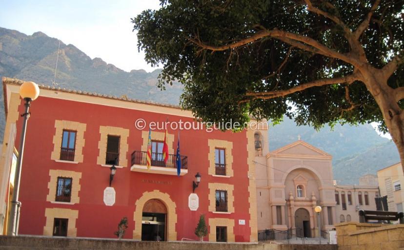 Redovan a Vega Baja Village