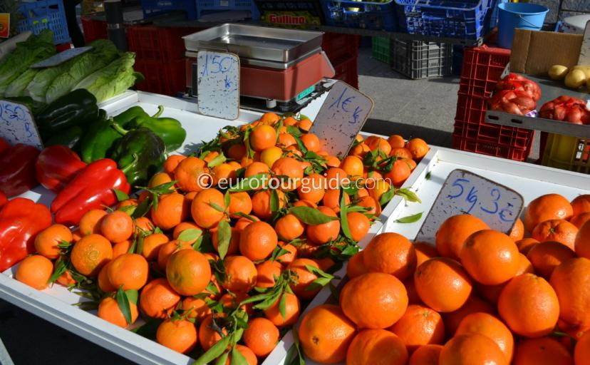Whats on In La Marina, Every week the Urbanisation holds its large and popular market