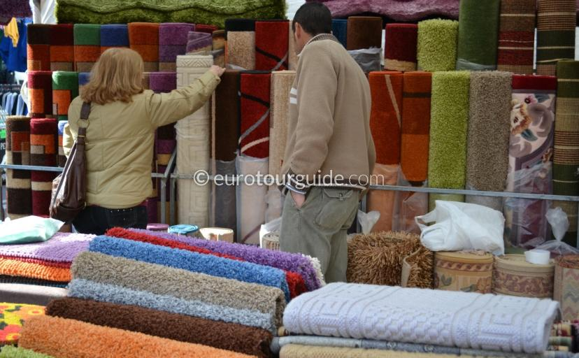 Whats on in Rojales, Every Thursday the village holds a very popular Spanish Weekly Market