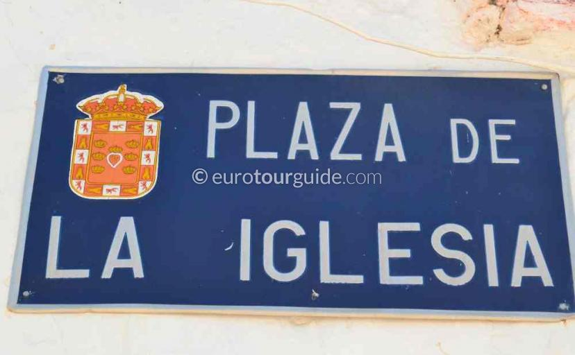 Where to go in Avileses Murcia Spain, the church squrare is one of many things to do and places to visit here.