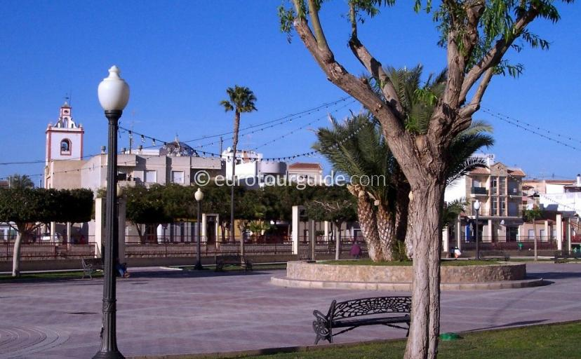 Rojales town centre with the Rio Segura