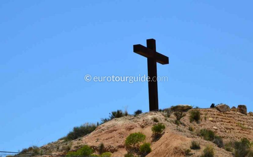 What's on in Sucina Murcia Spain, stroll up to the cross one of many things to do and places to visit here.