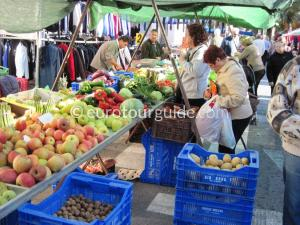 Whats on in Guardamar del Segura, Wedensday Morning is the large weekly market