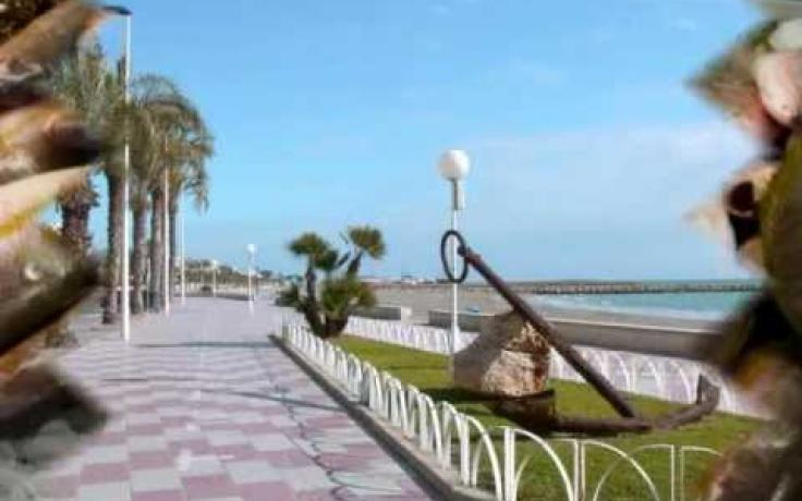 Santa Pola by www.eurotourguide.com