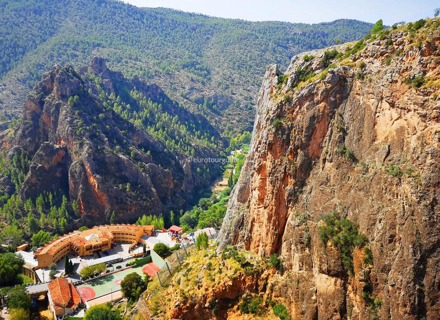 EuroTourGuide Coach Tour 14th-17th September Scenic Escape Ayna